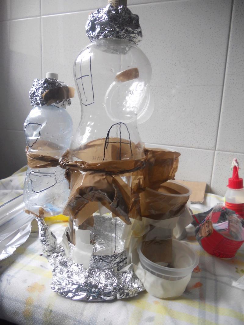 Casa de hadas con botellas de plástico. Dscn4711