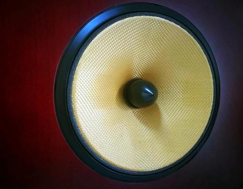 B&W Nautilus™ HTM1 Center Channel 3-Way Loudspeaker System, England Htm1d10