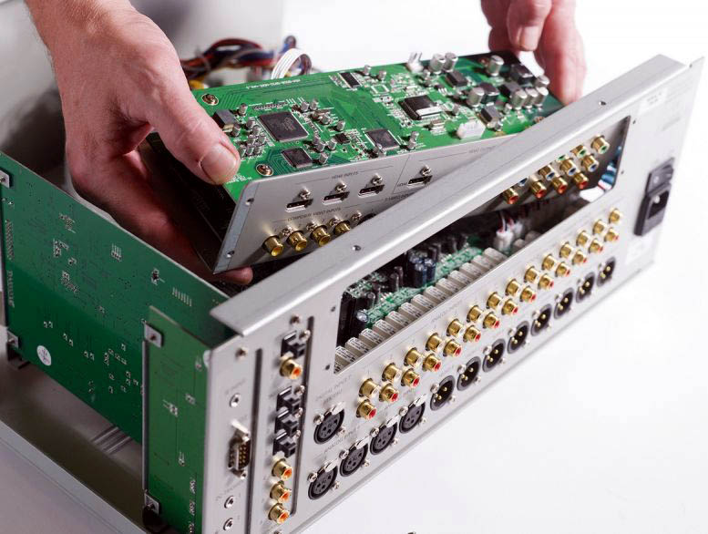 Primare SP32 Audiophile AV Pre-Processor, Pre-Amp w HD Audio Upgrade, Sweden (Display Set) Primar33