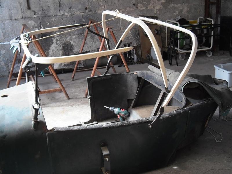 Montage des arceaux de capote sur Torpedo 1923 P9040310