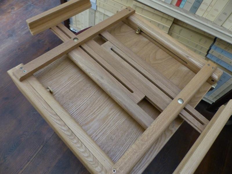 pupitre de table pour le dessin, l'aquarelle P1060011