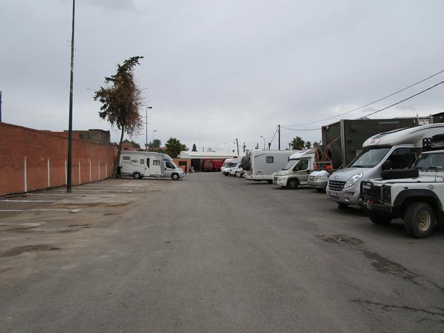 [Maroc Camp/Bivouacs] Marrakech parking la Koutoubia 0725c210