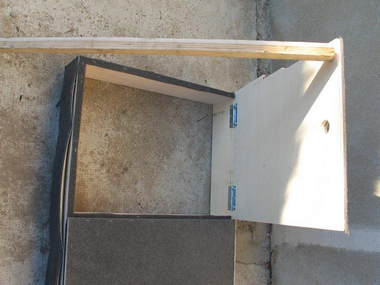 Rangement des câbles : Fabrication d'un double fond de coffre - Page 4 Img_5810