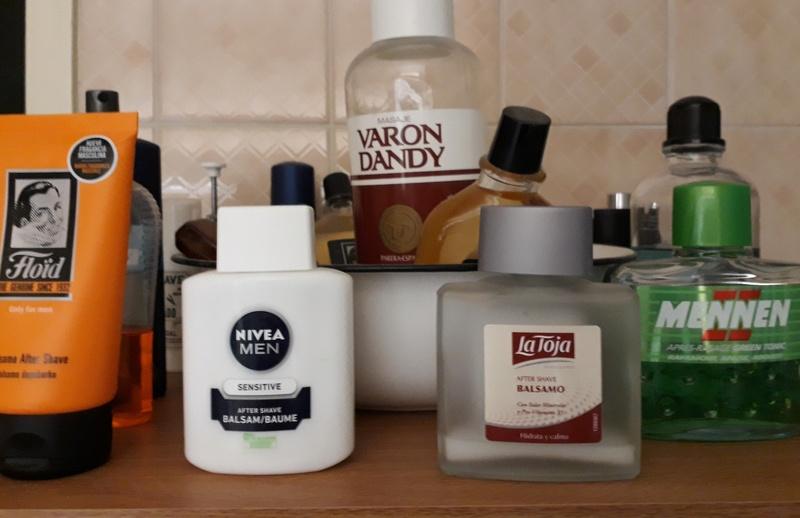 Photos de votre armoire spéciale rasage (ou de la partie réservée au rasage) - Page 27 20180119