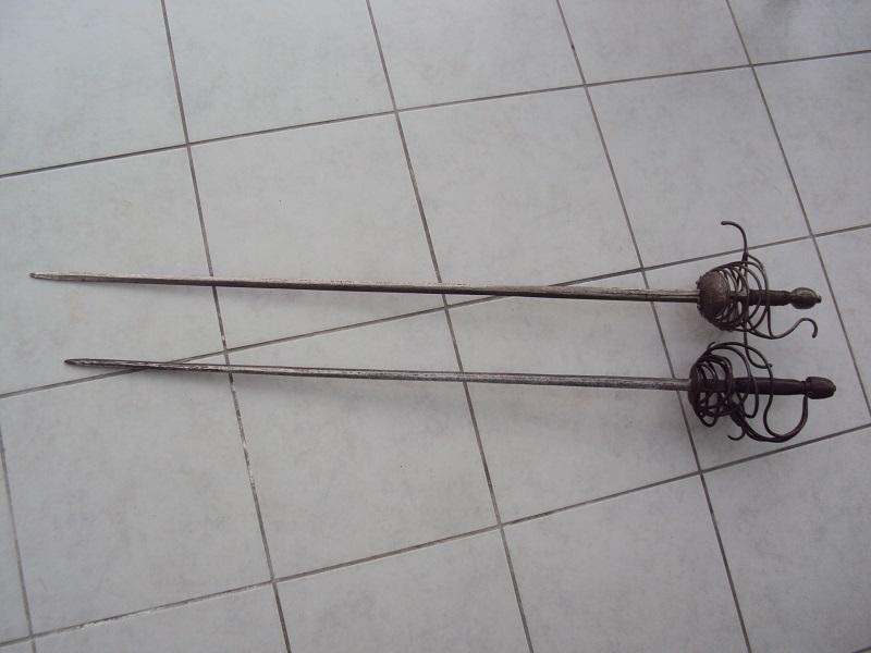 Epées: rapières XVII ème Dsc03027