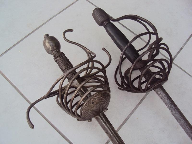 Epées: rapières XVII ème Dsc03029