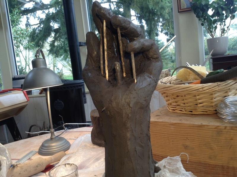 une main qui tient pas Img_4114
