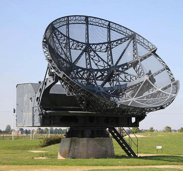 "La station radar de la "" plaine "". Wisbur11"