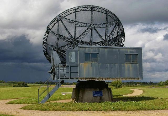 "La station radar de la "" plaine "". Wisbur12"