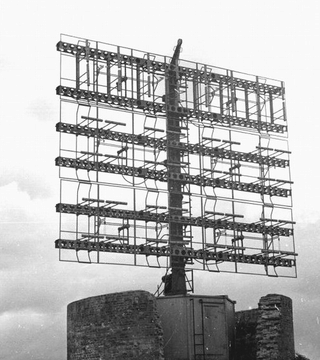 "La station radar de la "" plaine "". Wisbur14"