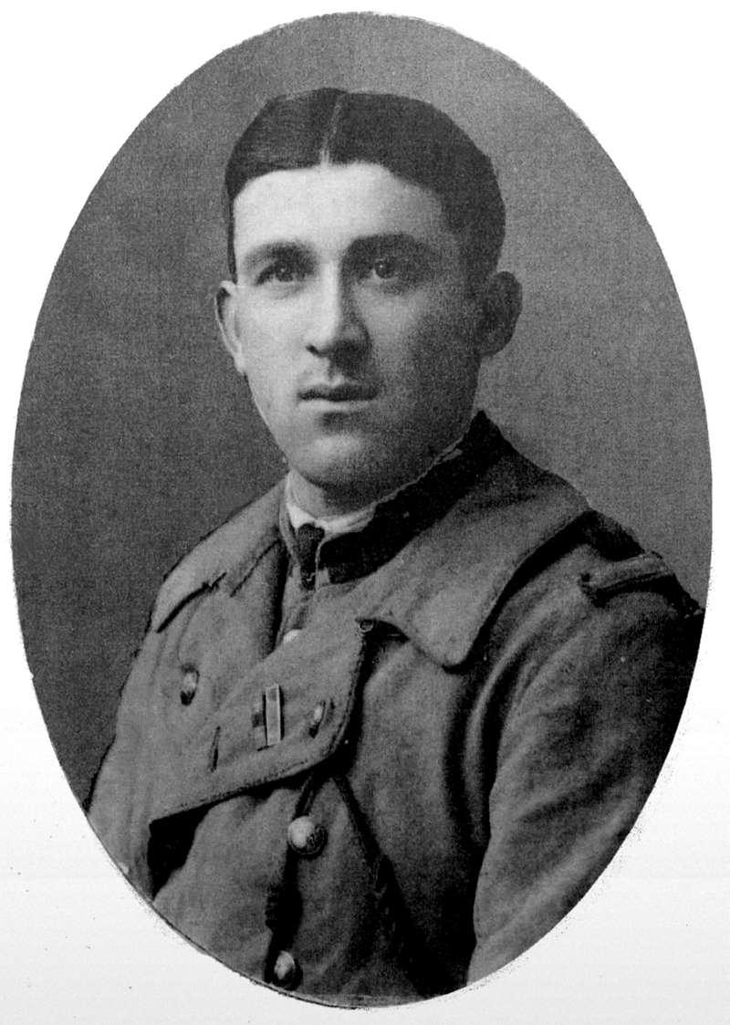 Un petit soldat de la grande guerre : portrait retouché. - Page 17 Sold_111