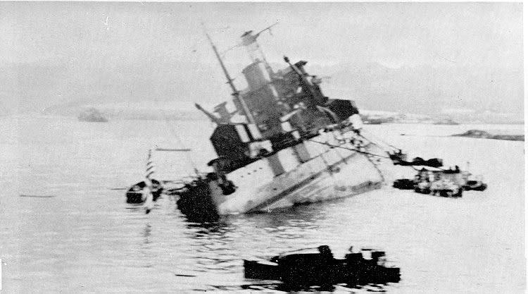 Le 7 décembre 1941,le Japon attaque Pearl Harbor - Page 4 1_utah10
