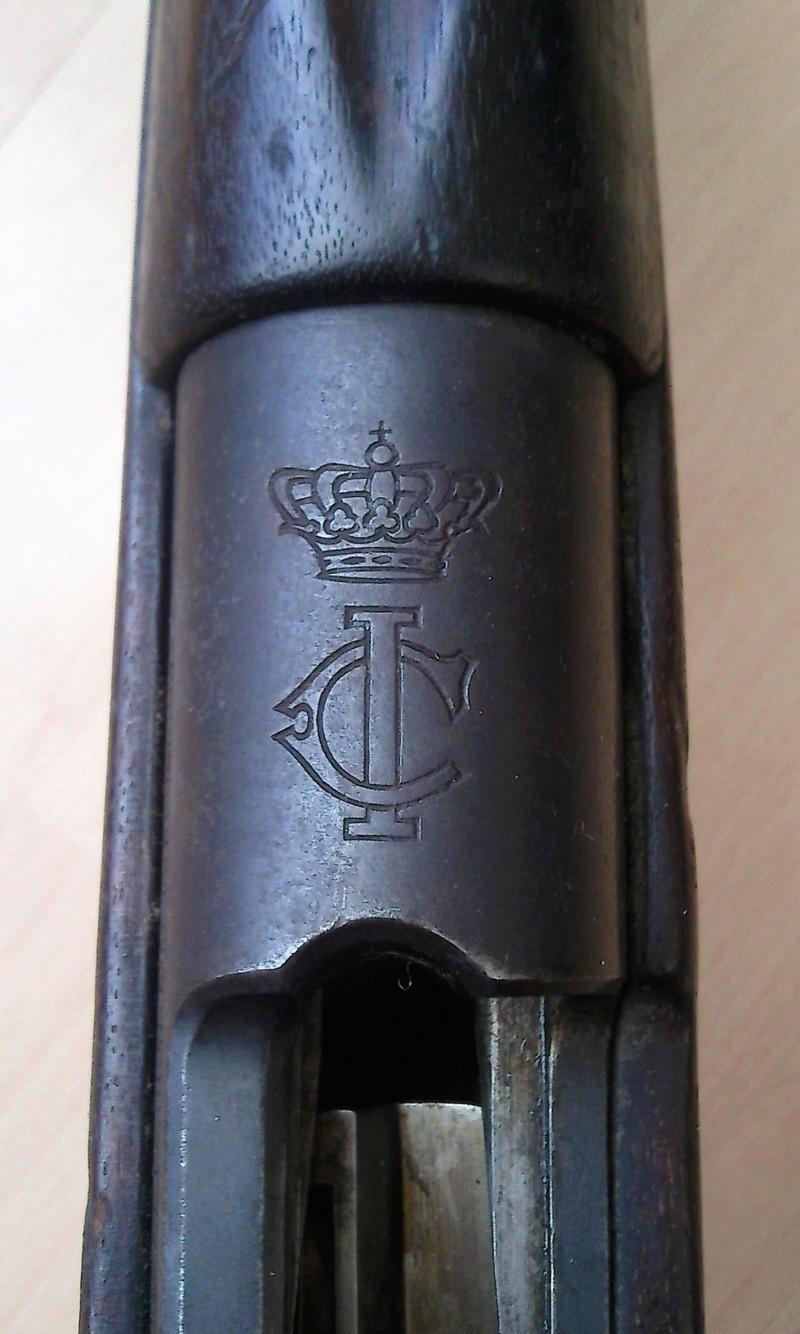 Baîonnette Mauser Pérou 1935 et Vergueiro M04-39 et bretelles. Photo171