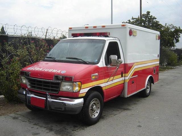 ford ambulance F1425510