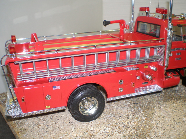 ford ltl 9000 fire truck P1010028