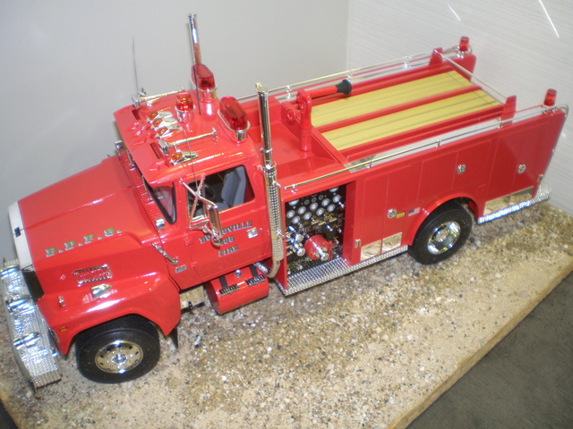ford ltl 9000 fire truck P1010030