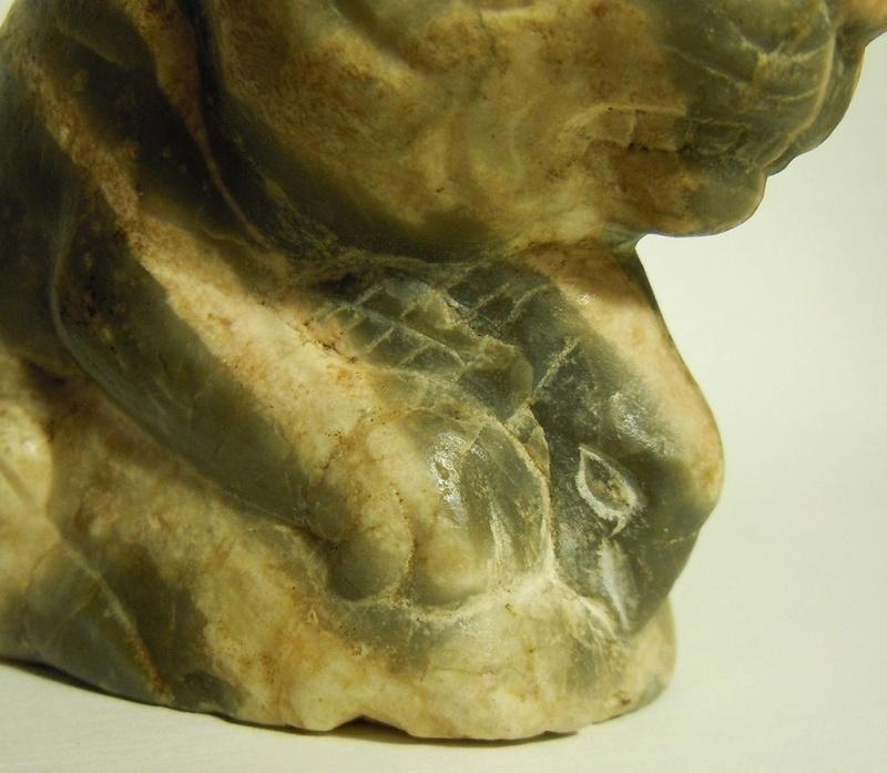 Lionceau en marbre. Origine ? Dscn8028
