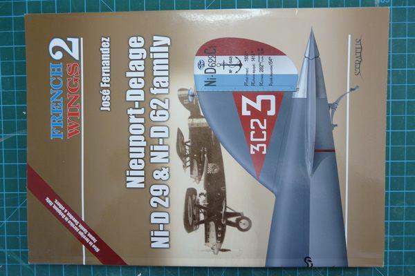 Un tagazou au 1/32 qui sort des sentiers battus : le Ni-D 52 seul de son genre à l'échelle (à ma connaissance !). Famill10