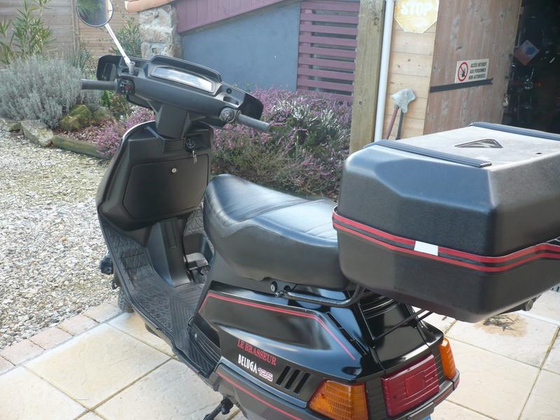 Un petit scooter Japonais , le Yamaha 80 Béluga de 1982... P1130329
