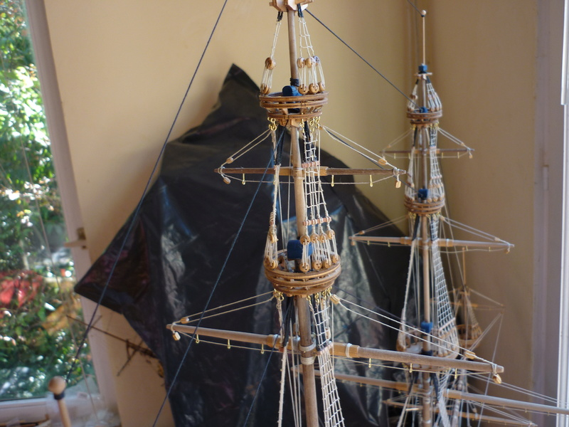 Sovereign Of The Seas XVII ème siècle de Sergal Mantua.  - Page 39 P1130552
