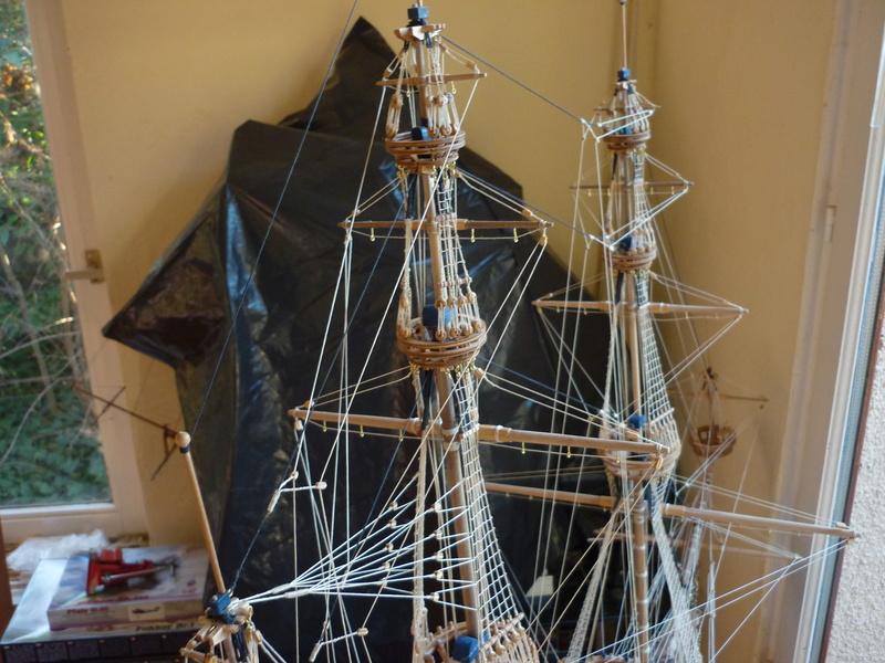 Sovereign Of The Seas XVII ème siècle de Sergal Mantua.  - Page 39 P1130977