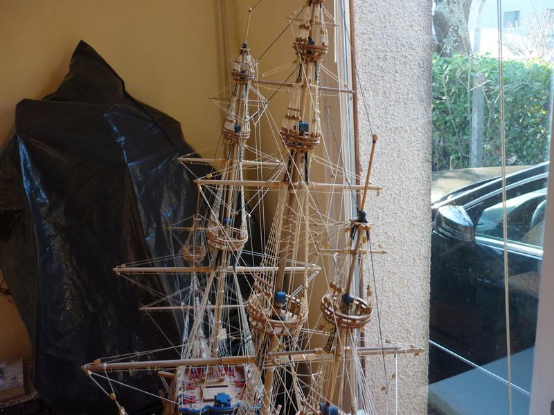 Sovereign Of The Seas XVII ème siècle de Sergal Mantua.  - Page 39 P1130978