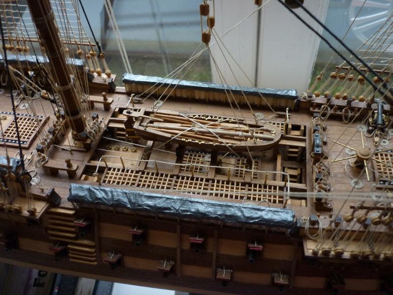 Sovereign Of The Seas XVII ème siècle de Sergal Mantua.  - Page 37 P1140417