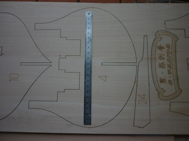 LE SAN FELIPE vaisseau du XVIIe siècle ( made in china) - Page 2 P1140945