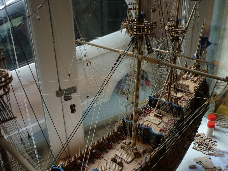 Sovereign Of The Seas XVII ème siècle de Sergal Mantua.  - Page 39 P1150915