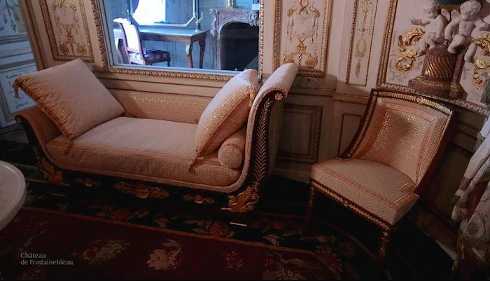 Le boudoir turc de Marie-Antoinette à Fontainebleau - Page 4 Captu369