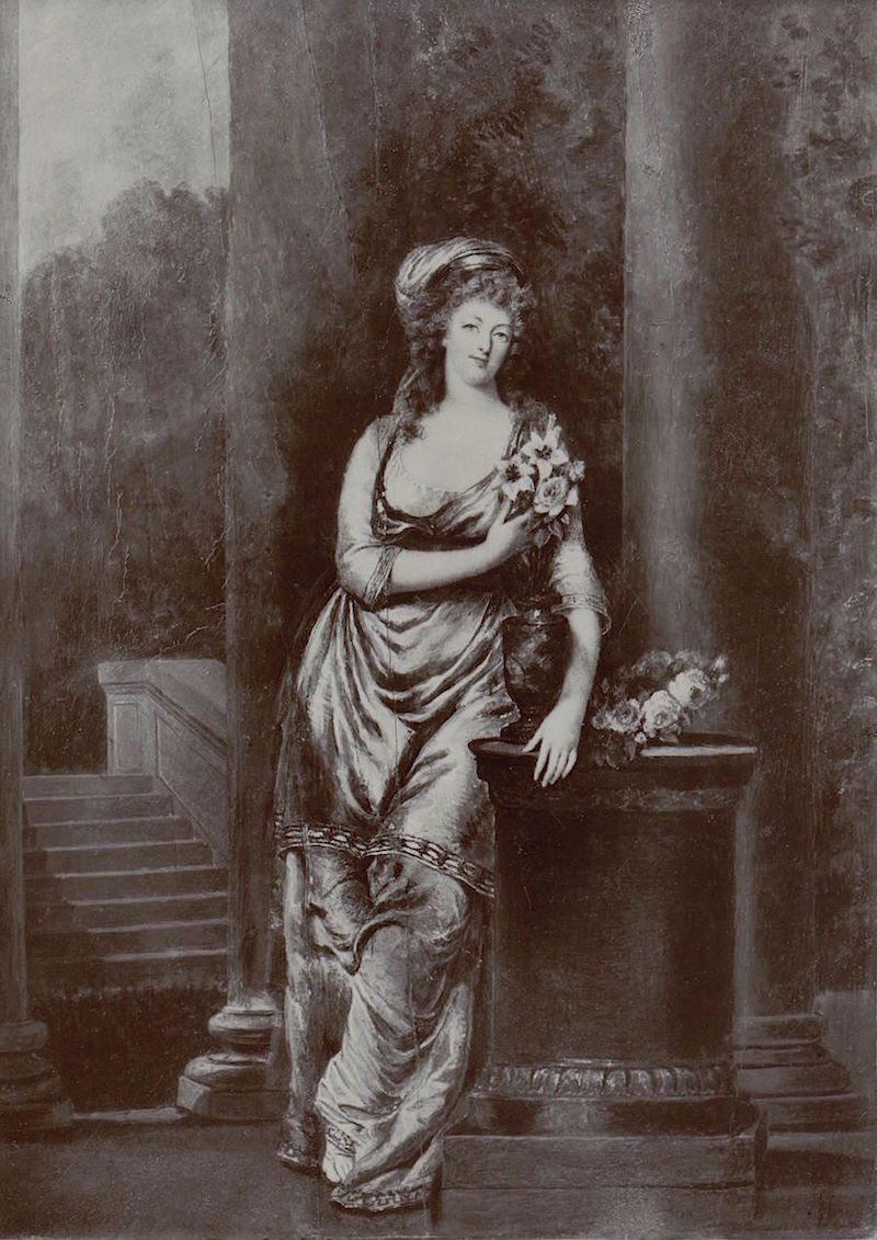 Portraits de Marie-Antoinette costumée à l'antique, ou en vestale, par et d'après F. Dumont  Dumont11