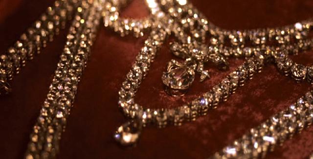 Le collier dit de la reine Marie-Antoinette (L'affaire du collier de la reine), et ses répliques Famous10