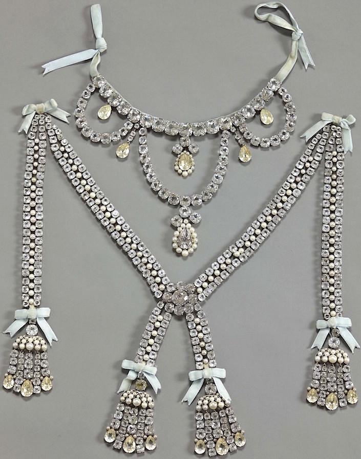 Le collier dit de la reine Marie-Antoinette (L'affaire du collier de la reine), et ses répliques Marie116