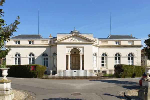 Provence - Le château de Montreuil et le pavillon de musique de Madame, comtesse de Provence Pavill12