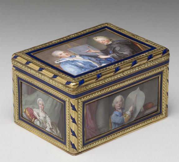 Portraits de famille de Louis XV sur une tabatière Ps1_5711