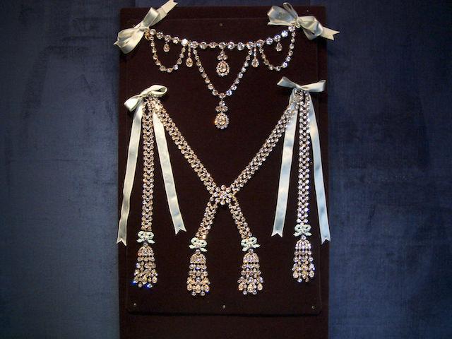 Le collier dit de la reine Marie-Antoinette (L'affaire du collier de la reine), et ses répliques S-l16010