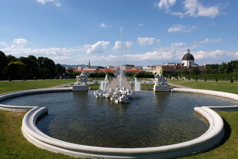 Vienne, la ville des jets d'eau 11710