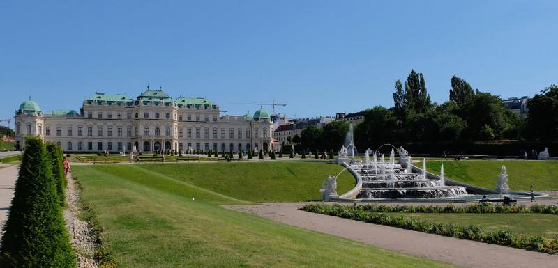 Vienne, la ville des jets d'eau 12010