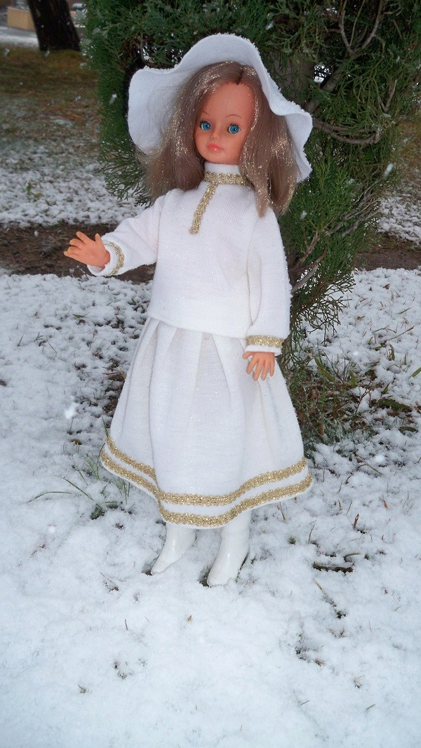 Cathie dans la neige 00222