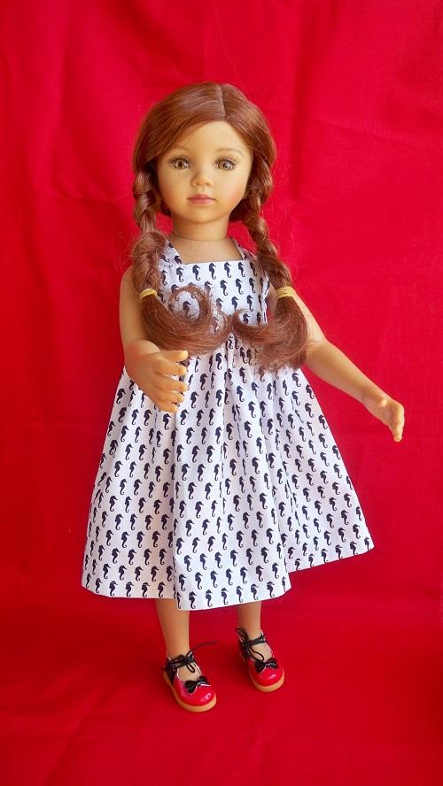 Tanya et sa nouvelle robe  002_411