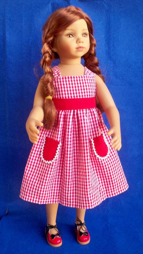 Tanya en rouge Vichy211