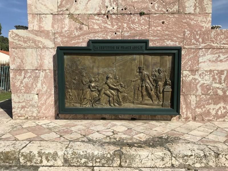 La place dédiée à Louis XVI à Port-Vendres  0a37cd10