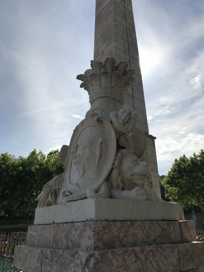 La place dédiée à Louis XVI à Port-Vendres  54e58e10