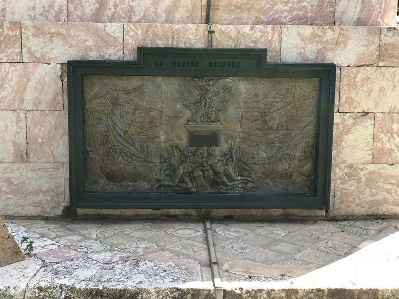 La place dédiée à Louis XVI à Port-Vendres  7e986a10