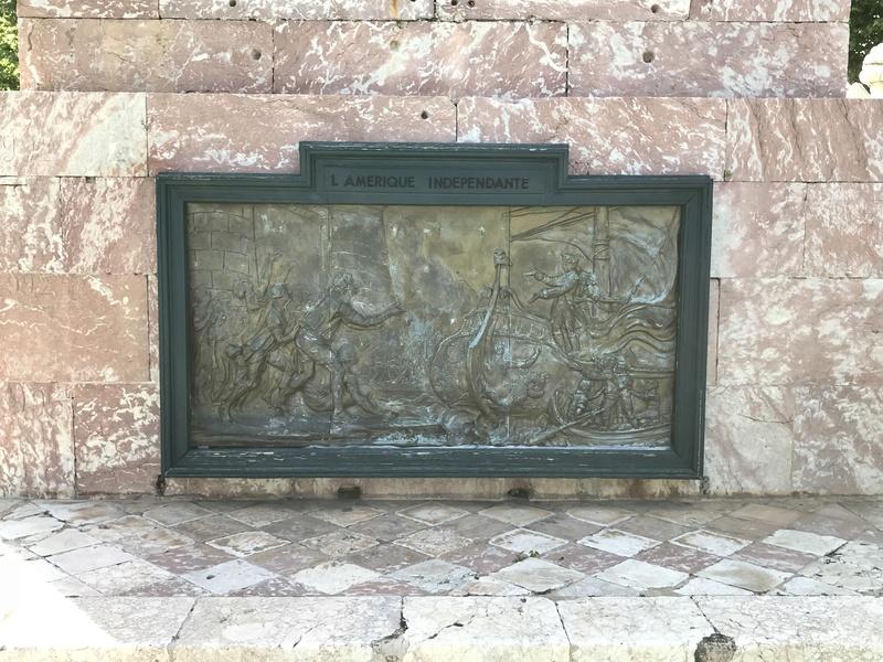 La place dédiée à Louis XVI à Port-Vendres  81aec510