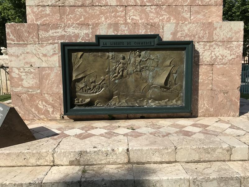 La place dédiée à Louis XVI à Port-Vendres  C0247f10