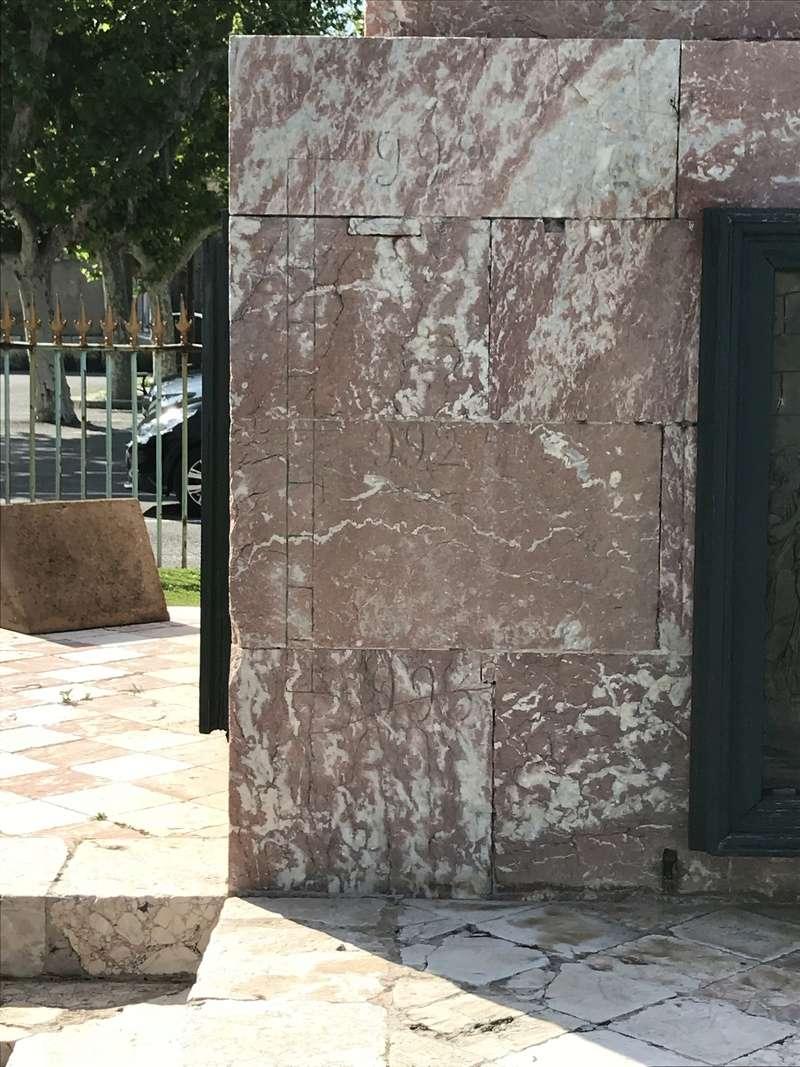 La place dédiée à Louis XVI à Port-Vendres  C4df4110