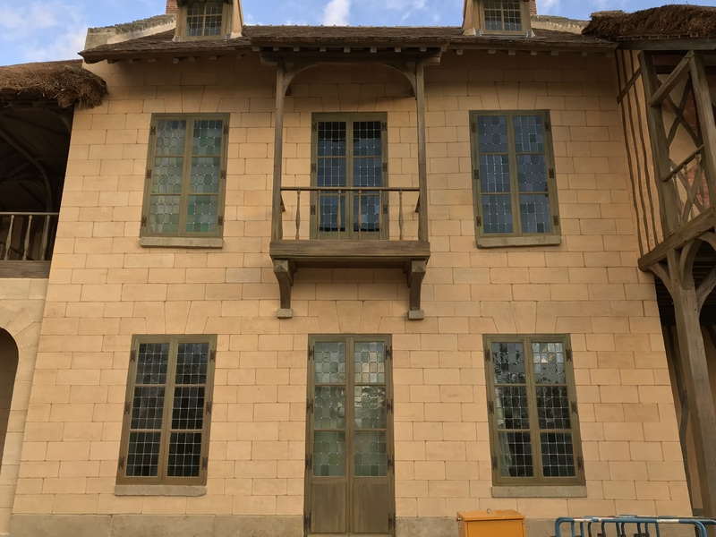 maison - Hameau du Petit Trianon : Restauration de la maison de la Reine  - Page 11 Ca0ade10