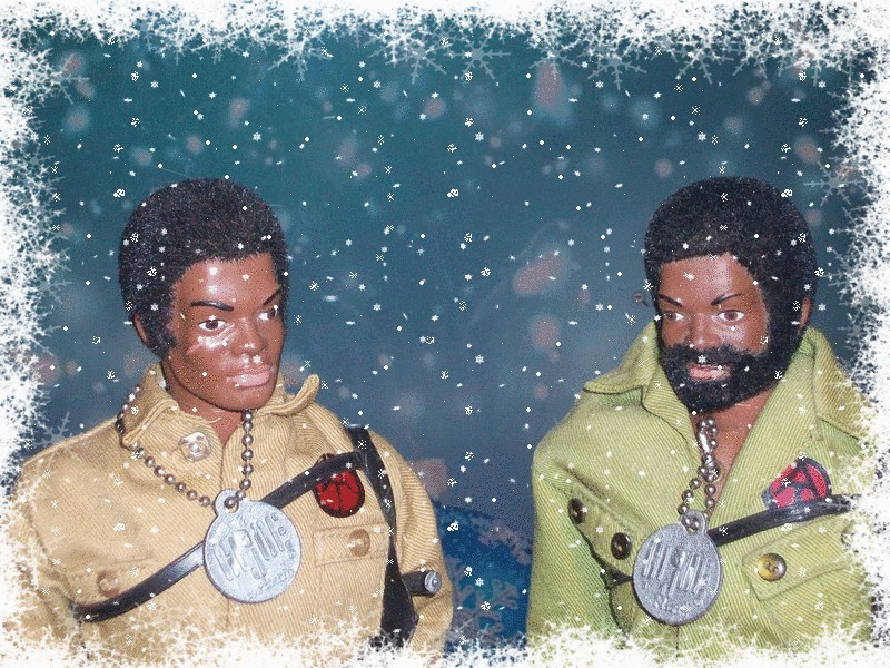 Pictures of your Action Men or Joe's in the Christmas spirit. 15138010