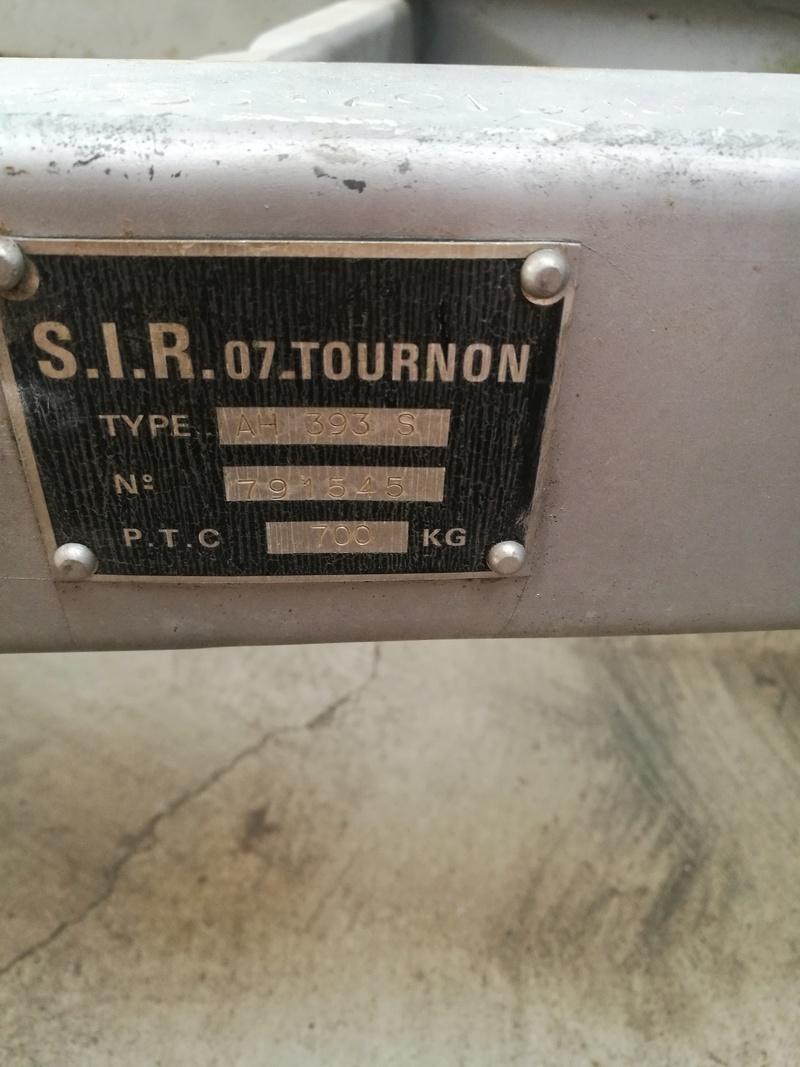 Lecture plaque châssis caravane Img_2124